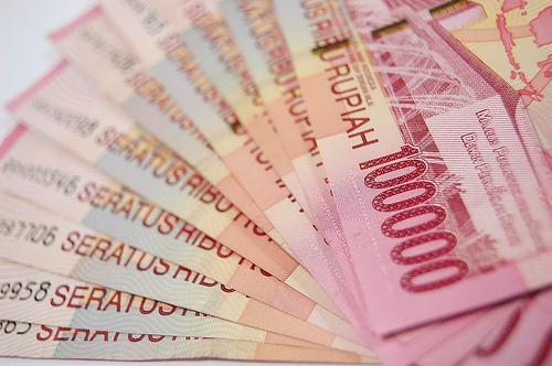 gambar uang 100 ribu